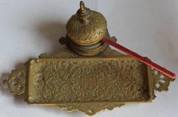 Superbe Ancien Encrier Porte-plume De Bureau En Bronze Avec Sa Plume XIX ème - Inkwells