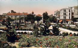 ALGERIE  SIDI BEL ABBES  La Nouvelle Place Et L'entrée Du Boulevard De La République - Sidi-bel-Abbès