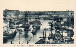"""Marine Militaire Française- Port Militaire De Brest- Sortie Du Cuirassé """" HOCHE """"  ... - Guerre"""