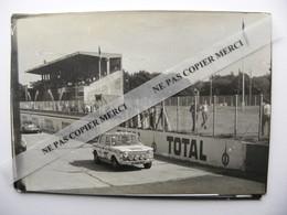 Simca 1000 Rallye Ou Sport Et Autres Sur Le Circuit De Montlhery Photo Originale - Automobiles