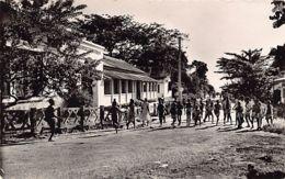 Gabon - LIBREVILLE - Avenue Ballay, Groupe Scolaire - Ed. B. Paraiso 21. - Gabon