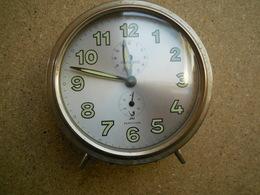 JAZ Réveil à Répétition, Fonctionnel, Devra Certainement Nécessité Un Petit Nettoyage - Alarm Clocks
