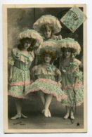 ARTISTE 0878 Quatuor De Jeunes Filles Aux Grands Chapeaus Dentelle  1905 écrite SAZERAC Paris - Artisti