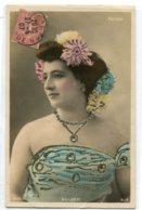 ARTISTE 0884 GILLARDI Robe Fleurs Réhaussées Brillants 1907 écrite  SIP 5077 - Artisti