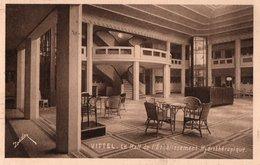 VITTEL ( 88 ) - Le Hall De L' Etablissement Hydrothérapique . - Vittel Contrexeville