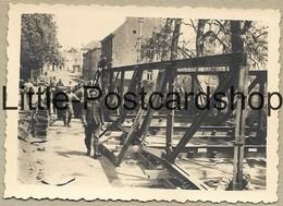 Foto Jodoigne Deutsche Soldaten Bauen Behelfsbrücke Soldats Allemands Construisent Un Pont Temporaire WW2 Pi. Btl. 50 - Guerra 1939-45