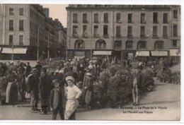 Rennes- La Place Dela Mairie-Le Marché Aux Fleurs - Rennes
