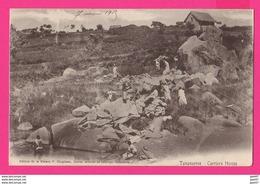 CPA (Ref: Z 1330) (MADAGASCAR)  TANANARIVE CARRIERS HOVAS (animée) - Madagascar