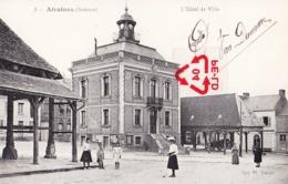 AIRAINES (Somme) - L'Hôtel De Ville ( Avec Les Marchés Couvert) - France