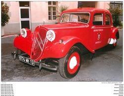 Photo Cpsm Cpm TRANSPORTS. Camion Sapeurs-Pompiers Véhicule Citroën Traction-Avant 1957. Marins Marseille 13 - Camion, Tir