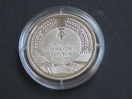 Médaille R.D.A -1949-1990 - Die Neuen Bundeslander  **** EN ACHAT IMMEDIAT **** - Professionnels/De Société