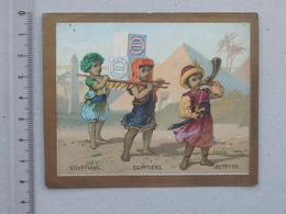 CHROMO Biscuits HUNTLEY & PALMERS: EGYPTIENS Egypte Pyramide Désert Tenue Typique Enfant - Autres