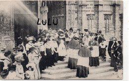 DEPT 60 : édit. ? : Beauvais Fète De Jeanne Hachette Le 27 Juin 1909 ; Le Clergé Sortant De La Cathédrale - Beauvais