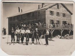 9201. Vintage Old Foto Photo Epoca Rifugio Neve Sci Sciatori Gruppo Refuge Snow Skiing Skiers Group - 8x6 - Luoghi