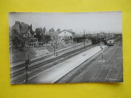 Achiet ,autorail Et Train En Gare - Autres Communes