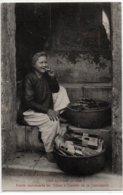 Annam-Hué-petite Marchande De Tabac à L'entrée De La Concession - Viêt-Nam