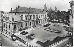 58 - NEVERS L'Hôtel De Ville écrite Timbrée - Nevers
