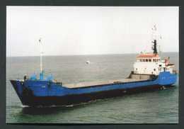 """Carte-photo - Cargo - Service Des Iles Anglo-Normandes """"M.V. Isis Au Large D'Aurigny (Alderney) Années 90"""" - Commercio"""