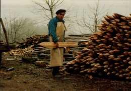 46-ST-PERDOUX...LUCIEN SOULIGNAC..FABRICATION DE PIQUETS EN CHATAIGNERS...1991...CPM ANIMEE - Andere Gemeenten