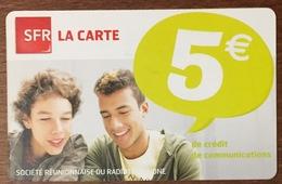 RÉUNION GARÇONS RECHARGE GSM SFR 5 EURO DU 08/12 CARTE PRÉPAYÉE PHONECARD CARD PREPAID PAS TÉLÉCARTE - Réunion
