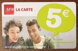 RÉUNION GARÇONS RECHARGE GSM SFR 5 EURO DU 05/13 CARTE PRÉPAYÉE PHONECARD CARD PAS TÉLÉCARTE - Réunion