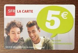 RÉUNION GARÇONS RECHARGE GSM SFR 5 EURO DU 05/14 CARTE PRÉPAYÉE PHONECARD CARD PAS TÉLÉCARTE - Réunion