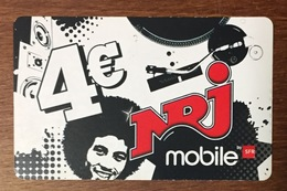RÉUNION NRJ RECHARGE GSM SFR 4 EURO DU 12/10 CARTE PRÉPAYÉE PHONECARD CARD PREPAID PAS TÉLÉCARTE - Réunion