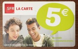 RÉUNION GARÇONS RECHARGE GSM SFR 5 EURO DU 01/13 CARTE PRÉPAYÉE PHONECARD CARD PAS TÉLÉCARTE - Réunion