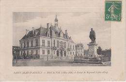 CPA Saint-Jean-dAngély - Hôtel De Ville Et Statue De Régnaud (avec Pourtour En Léger Relief) - Saint-Jean-d'Angely
