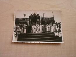Photo Ancienne 1937 CONGRES EUCHARISTIQUE à NEUFVILLES - Anonymous Persons