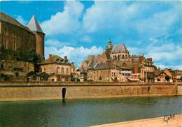 53 - Mayenne - Les Bords De La Mayenne. Le Château Et L'Eglise Notre-Dame - Carte Neuve - Voir Scans Recto-Verso - Mayenne