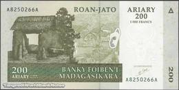 TWN - MADAGASCAR 87a - 200 Ariary 2004 A XXXXXXX A UNC - Madagascar