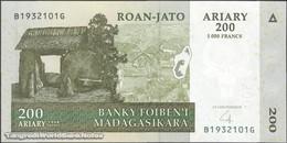 TWN - MADAGASCAR 87b - 200 Ariary 2004 B XXXXXXX G UNC - Madagascar