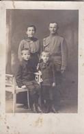 AK Foto Deutscher Soldat Mit Frau Und Kindern - Atelier Hähnel, Jahnsdorf - 1. WK (48960) - Oorlog 1914-18
