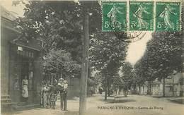 72 PARIGNE L'EVEQUE - CENTRE DU BOURG - Francia