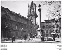 Photo Cpsm Cpm 13 AIX-EN-PROVENCE. Beffroi Place De L'Hôtel De Ville 1951 - Aix En Provence