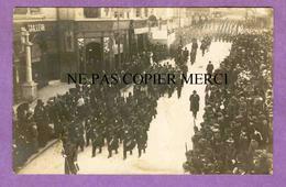 MONTPELLIER - RARE Carte Photo Défilé De Militaires Rue De La Loge - Voir Scans - Montpellier