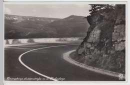 (33288) Foto AK Riesengebirge, Krkonose, Sudetenstraße, Vor 1945 - Sudeten