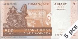 TWN - MADAGASCAR 88b - 500 Ariary 2004 DEALERS LOT X 5 - A XXXXXXX R UNC - Madagascar