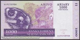 TWN - MADAGASCAR 89b - 1000 1.000 Ariary 2004 A XXXXXXX K UNC - Madagascar