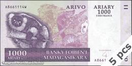 TWN - MADAGASCAR 89b - 1000 1.000 Ariary 2004 DEALERS LOT X 5 - A XXXXXXX W UNC - Madagascar