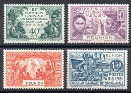 REUNION - YT N° 119 à 122 - Neufs * - MH - Cote: 27,00 € - Réunion (1852-1975)