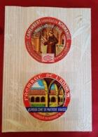 24 étiquettes De Fromage Collées Sur Du Papier Peint - Cheese