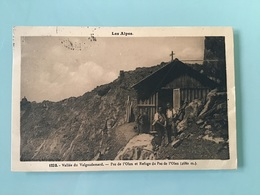 Les Alpes Vallée Du Valgaudemard. Pas De L'Olan Et Refuge Du Pas De L'Olan (2680 M.) - France