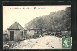 CPA Villeneuve-de-Marc, Place De La Bascule - Frankrijk