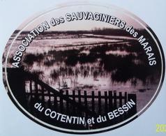 Autocollant Chasse Association Des Sauvaginiers Des Marais Du Cotentin Et Du Bessin - Stickers