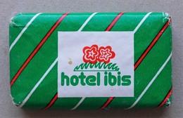- Savon - Ancienne Savonnette D'hôtel - Hôtel Ibis - - Kosmetika