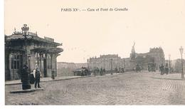 CPA PARIS Gare De Grenelle Place Animee - Stations, Underground