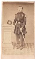 FAUBOURG ST SAINT ANTOINE 7 C.1870 Photo THIERY Cdv MILITAIRE AVEC SABRE  MEDAILLE - Personnes Identifiées