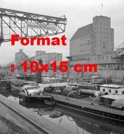 Reproduction D'une Photographie Ancienne De Péniches Et Bateaux Au Port De Bâle Le Rhin En 1945 - Repro's